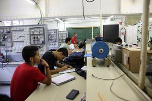 Un grupo de alumnos, durante una clase, en un instituto de Barcelona.