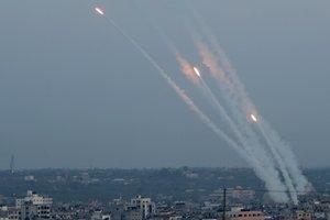 Aumentan los ataques con cohetes sobre la Fraanja de Gaza.