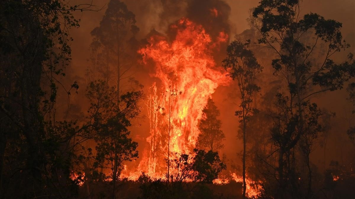 Imagen del incendio en Bobin, a 350 km al norte de Sydney.