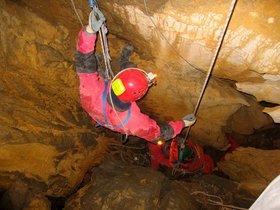 Imagen de recurso de un rescate de la Guardia Civil en una cueva.