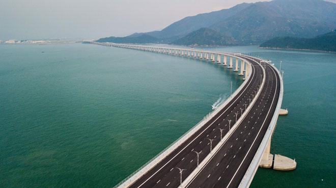 Así es el puente sobre el mar más largo del mundo