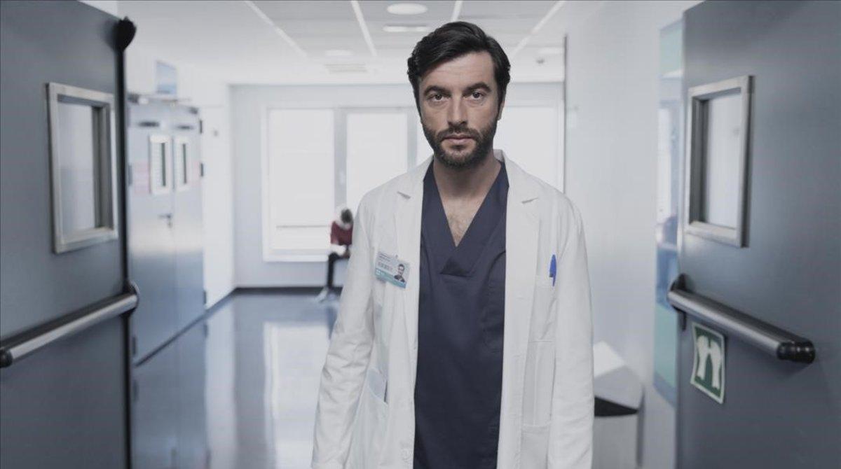 Javier Rey en la serie 'Mentiras'.