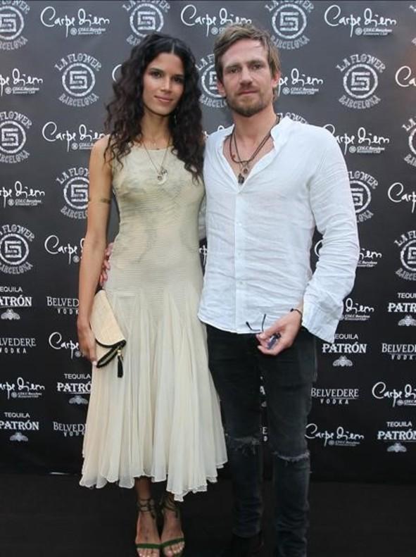 Raica Oliveira y su pareja.