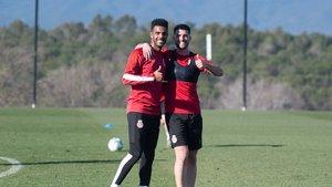 Jonas Ramalho y Jordi Calavera, en un entrenamiento del Girona.