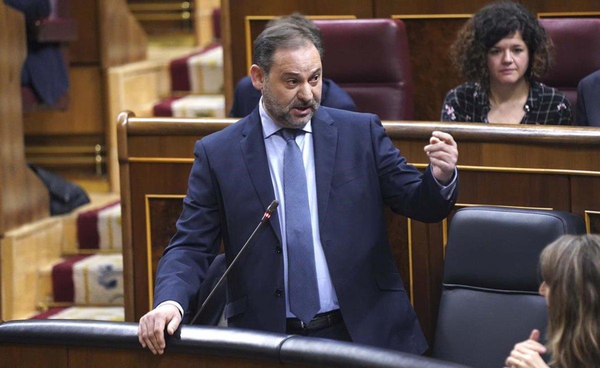 El ministro de Transportes, José Luis Ábalos, en el Congreso.