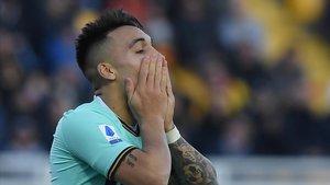 Lautaro Martínez se lamenta de un error en el duelo con el Lecce.