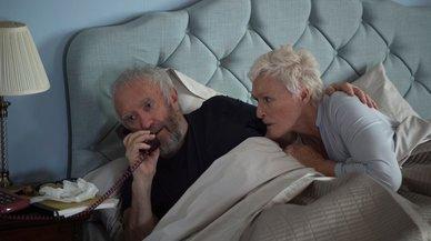 Las curiosidades de 'La buena esposa', drama con Glenn Close y Jonathan Pryce