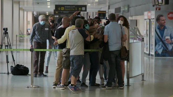 Llegada de los primeros turistas alemanes al aeropuerto de Eivissa después de tres meses de fronteras cerradas.