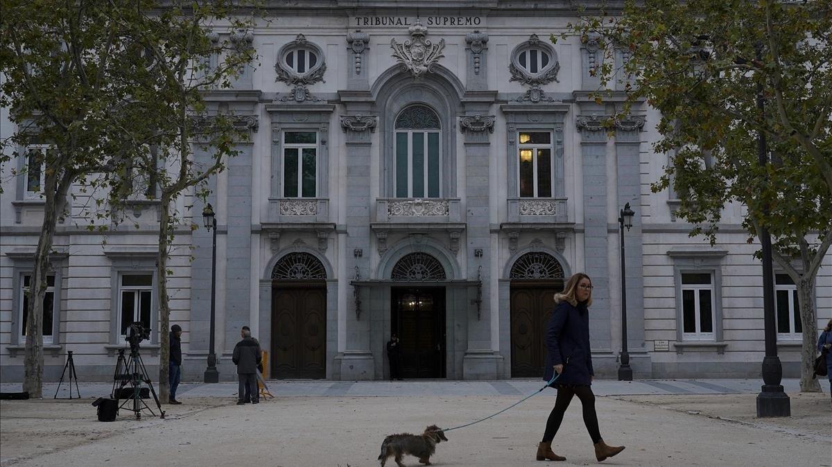 El TSJC juzgarála desobediencia de los miembros de laMesa del Parlament.
