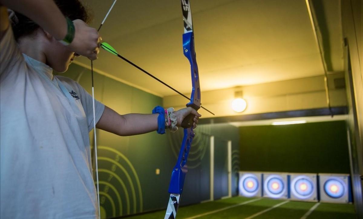 Los asistentes también pueden practicar el tiro con arco.