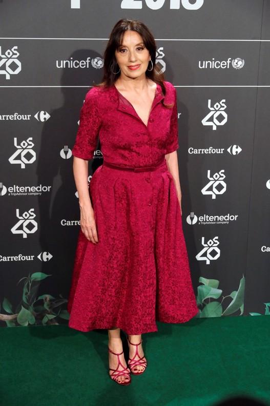 Luz Casal a su llegada a la cena de nominados de Los 40 Music Awards.