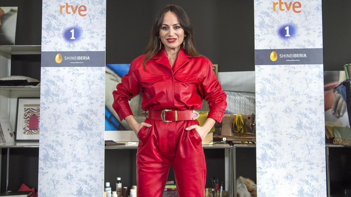 La diseñadora catalana María Escoté, jurado del 'talent' de TVE 'Maestros de la costura'.