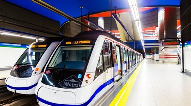 """Va ficar el peu """"entre vagó i andana"""" i va acabar posant una reclamació positiva al metro de Madrid"""