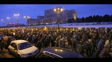 El Gobierno rumano retira el decreto que despenalizaba algunos supuestos de corrupción