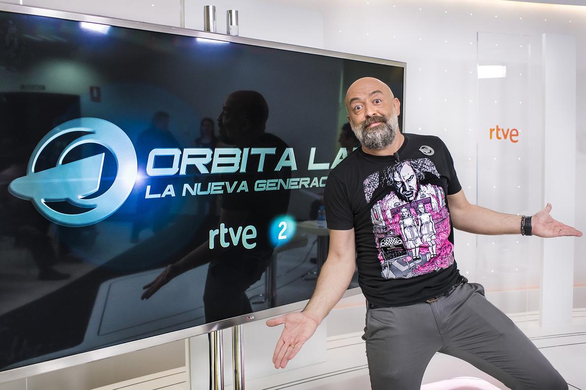 Goyo Jiménez, presentador de Órbita Laika: la nueva generación, en una foto promocional del programa de La 2.