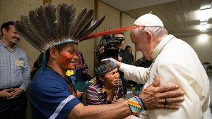 El papa Francisco, el pasado 17 de octubre, en un encuentro con comunidades indígenas de la Amazonia.