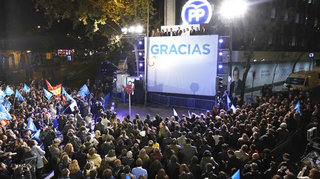 PP y PSOE mueven sus primeras fichas para enfrentarse al embrollo del 20D