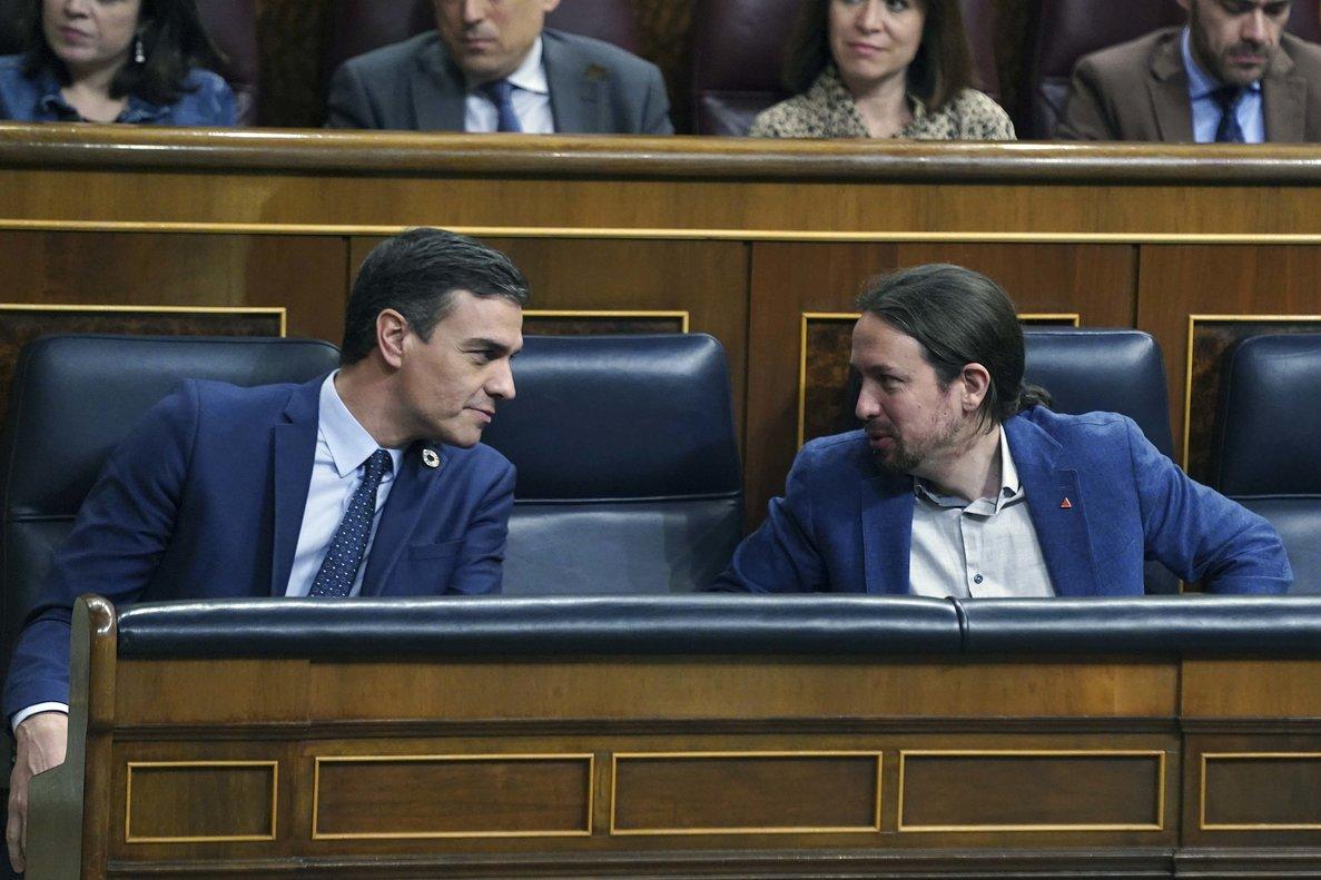 Pedro Sánchez junto a Pablo Iglesias en el Congreso.