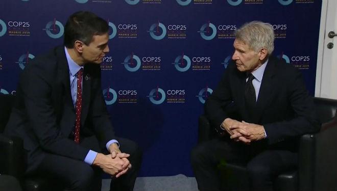 Pedro Sánchez y Harrison Ford han intercambiado opiniones en el cncuentro de esta tarde.