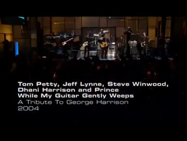 Prince interpreta While my guitar gentley weeps (2004)