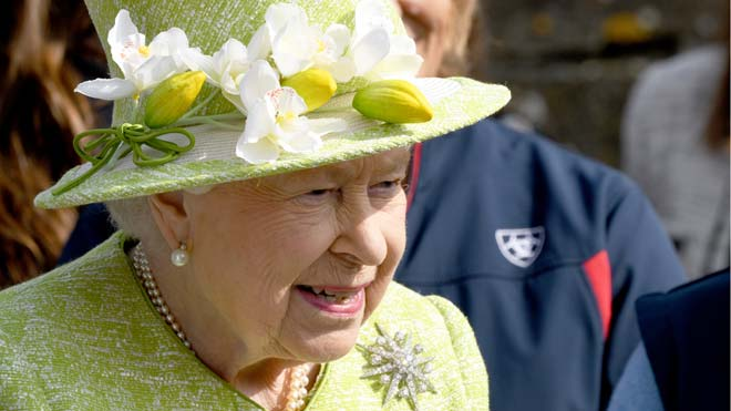 La reina Isabel II de Inglaterra deja de conducir.