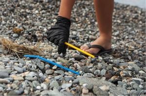 Actividades de limpieza de residuos en playas españolas.