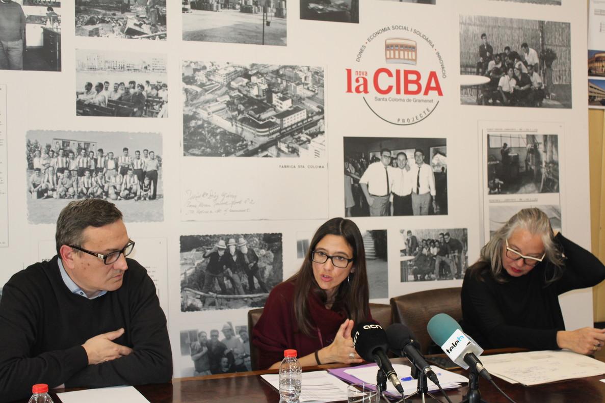 Núria Parlon, en la presentaciódel nouespaifeminista de Santa Coloma.