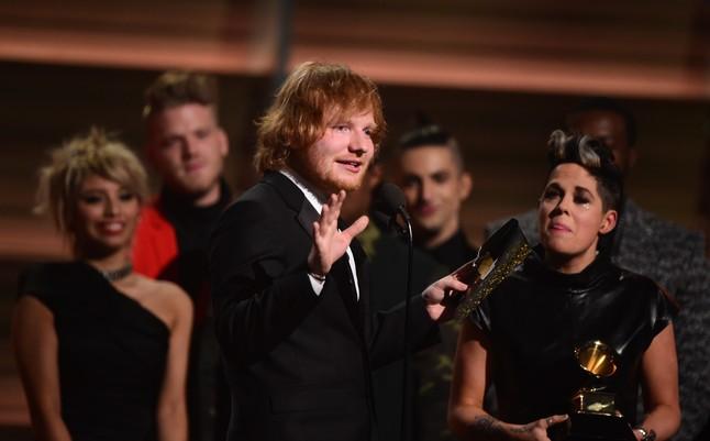 Ed Sheeran, Grammy a la mejor canción del año por 'Thinking Out Lour'.