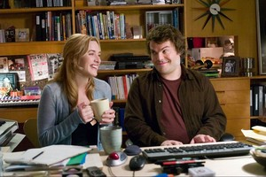 Kate Winslet y Jack Black, en una escena de la película The holiday.