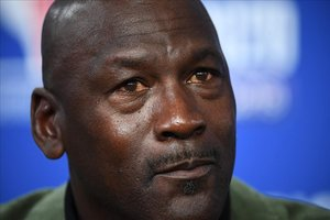 Una imagen reciente de Michael Jordan, en una conferencia de prensa