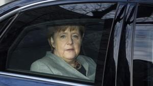 Alemanya ajorna un dia més l'acord de gran coalició