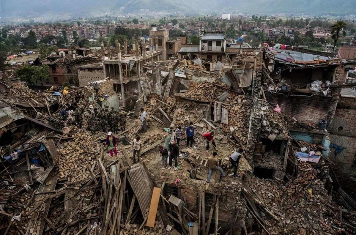 Devastación tras el terremoto en Nepal.Una de las imágenes ganadoras en el World Press Photo 2016.