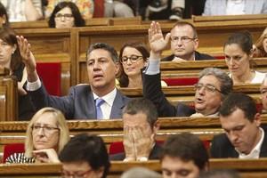 Xavier García Albiol y Enric Millo, del PPC, en un pleno del Parlament.