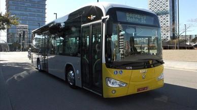 El AMB muscula su red de bus para ganar 12 millones de viajes