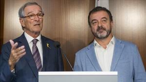 El líder de ERC (derecha de la imagen), Alfred Bosch, en una comparecencia junto al líder del PDeCAT en al Ayuntamiento de Barcelona, Xavier Trias.
