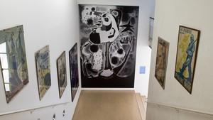 La reproducción de El segador de Joan Miró, en el Pavelló de la República.