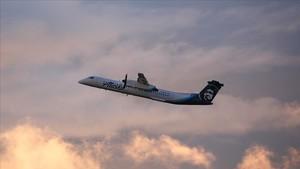 Un bombardier de Horizon Air, despega del aeropuerto de Seattle-Tacoma