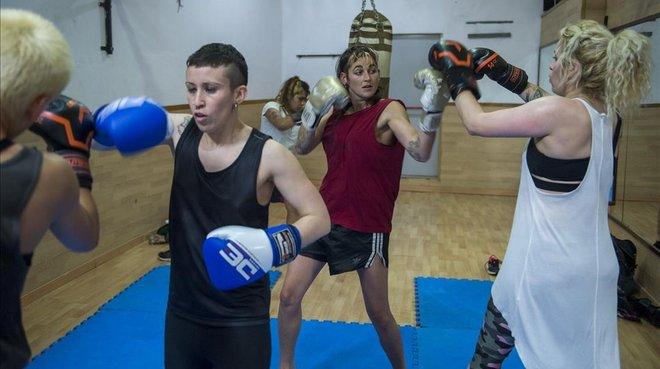 Un grupo de mujeres practica deporte en el Sant Pau.