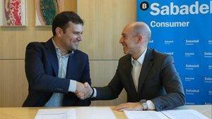 Pere Monràs, CEO de Nemuru, y Joaquín Subirá, de Sabadell Consumer Finance.