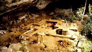 Vista general del yacimiento de Shum Laka, en Camerún, en el 1994, momento de su excavación