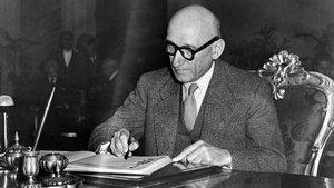Robert Schuman firma, en 1950, la declaración bautizada con su nombre.