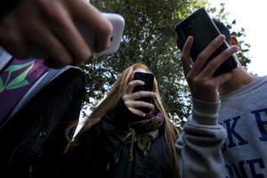 Adolescents smartphone