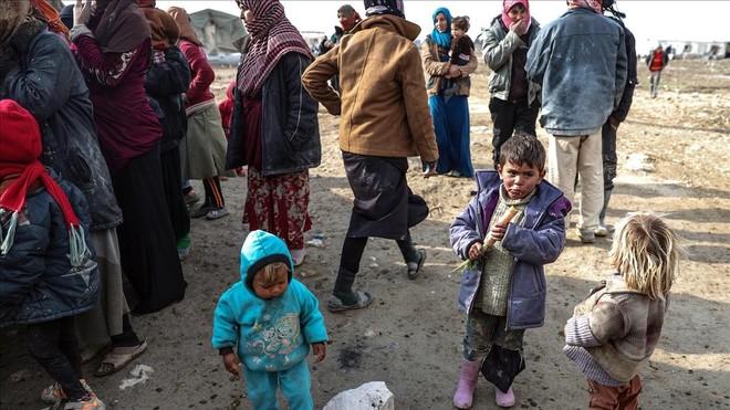 Un pequeño convoy de ayuda humanitaria entra en la provincia sitiada de Guta