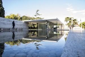 Pabellón Mies van der Rohe, en Montjuïc, en el que destacan su sobriedad y simplicidad.