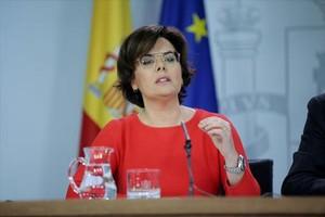 Soraya Sáenz de Santamaría, ayer, en <br/>la Moncloa, tras el Consejo de Ministros.