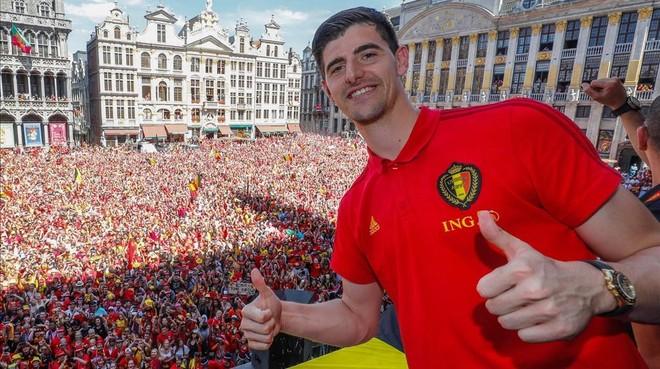El Liverpool ficha al portero más caro de la historia
