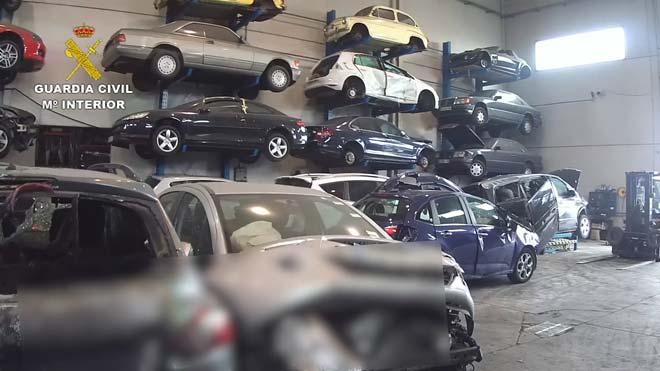 Investigades 30 empreses per emetre gasos refrigerants de cotxes