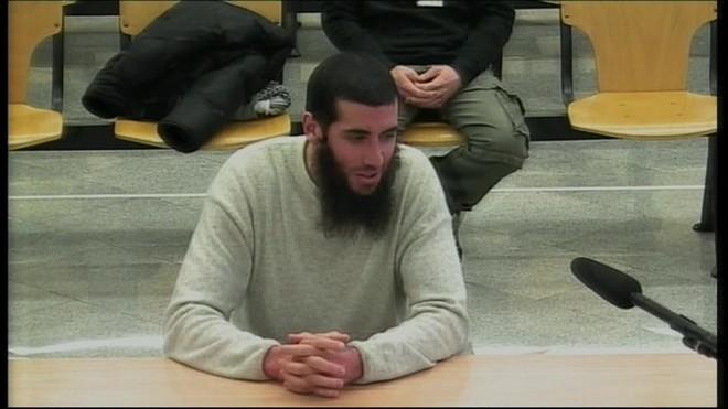 El español converso al islam Jacob Orellana, alias Yacoub, acusado de integración en Dáesh, ha negado hoy en el juicio pertenecer a ninguna célula yihadista ni haber planeado atentados en Barcelona.