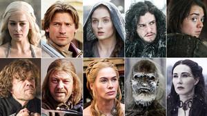 De arriba a abajo, y de izquierda a derecha, Daenerys Targaryen, Jaime Lannister, Sansa Stark, Jon Nieve, Arya Stark, Tyrion Lannister, Edduard Stark, Cersei Lannister, un caminante blanco y la bruja roja, Melissandre.