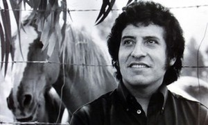 El artista Víctor Jara, asesinado en Chile en 1973.